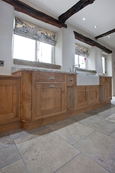 Belfast sink with in frame shaker style pippy oak cabinets