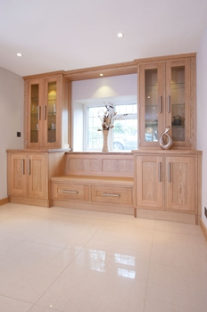 Shaker style oak cabinets to house freestanding washing machine & tumble dryer
